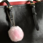 fluffy sleutelhanger roze